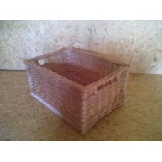 Proutěná krabice