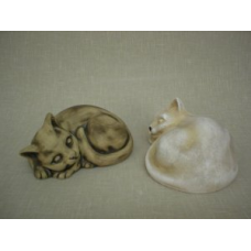 Keramická kočka ležící, tmavá