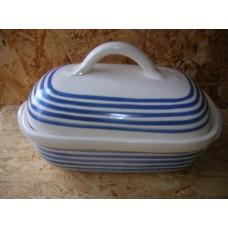 Keramický pekáč s poklicí k zapékání masa nebo uchování teplých řízků